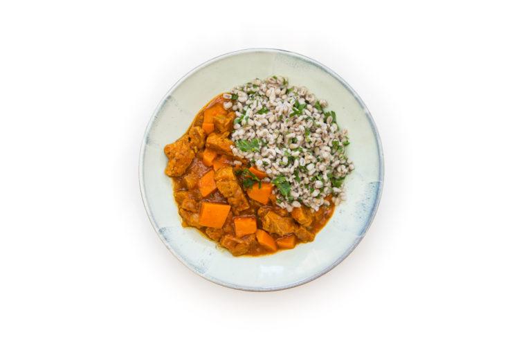 veganský guláš s dýní a sójovým masem